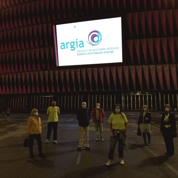 San Mamés y el Hospital de Cruces, con la Asociación de Ostomizados de Bizkaia Argia por el Día Internacional de la Persona Ostomizada
